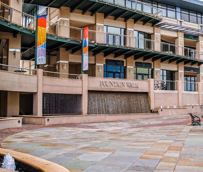 Aquarium Fountain Walk