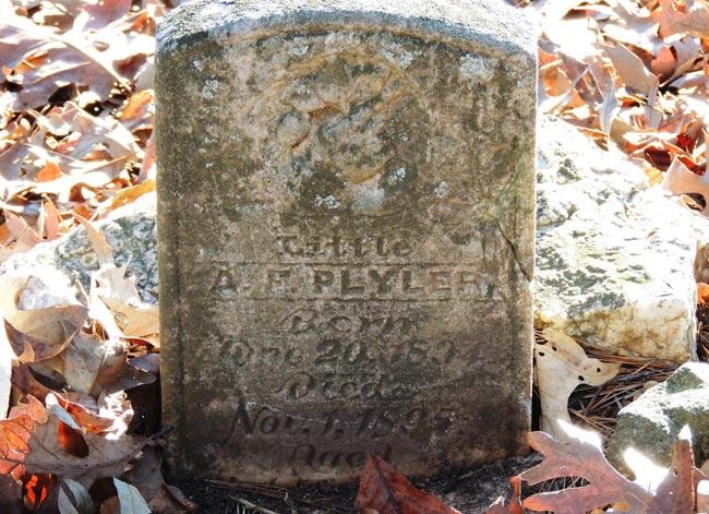 Bufords Massacre Headstone