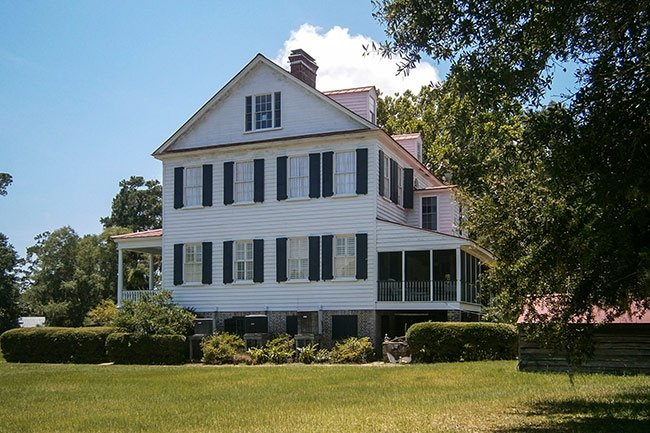 Cassina Point Plantation Home, Side View