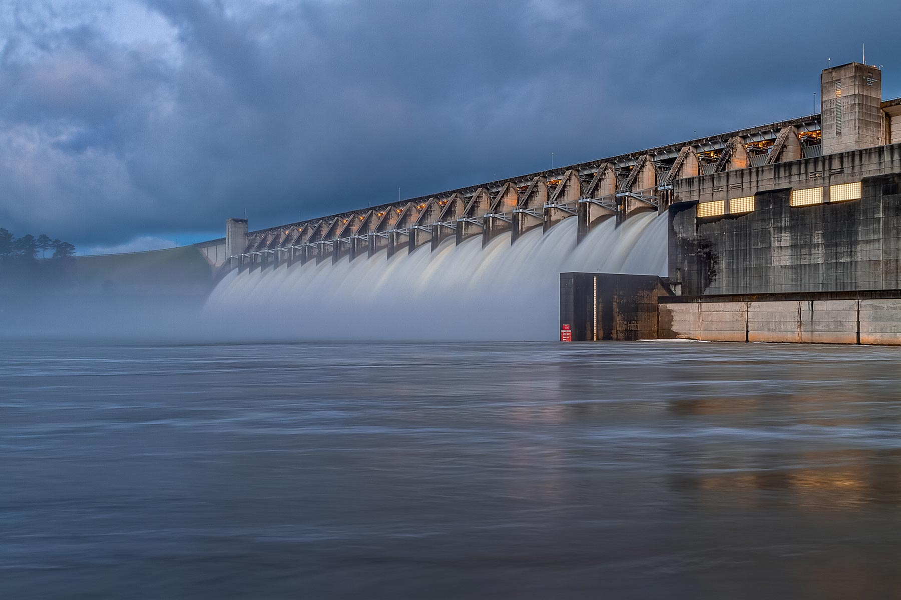 Dam at Strom Thurmond Lake in SC