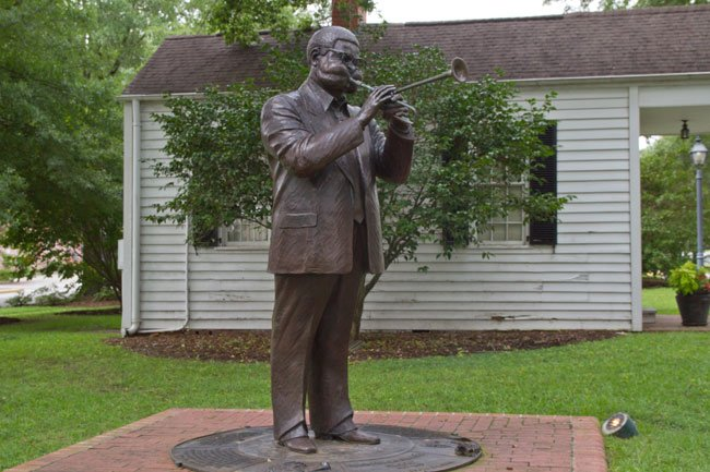 Dizzy Gillepsie Statue in Cheraw