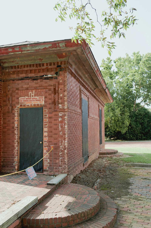 Guignard Bricks, Office