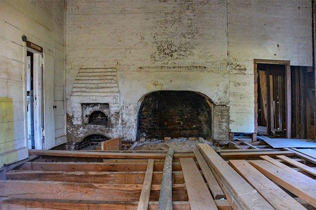 Hampton Plantation Kitchen Interior