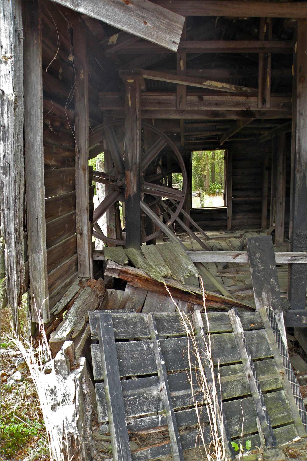 Huckabee Hallman Mill, Interior