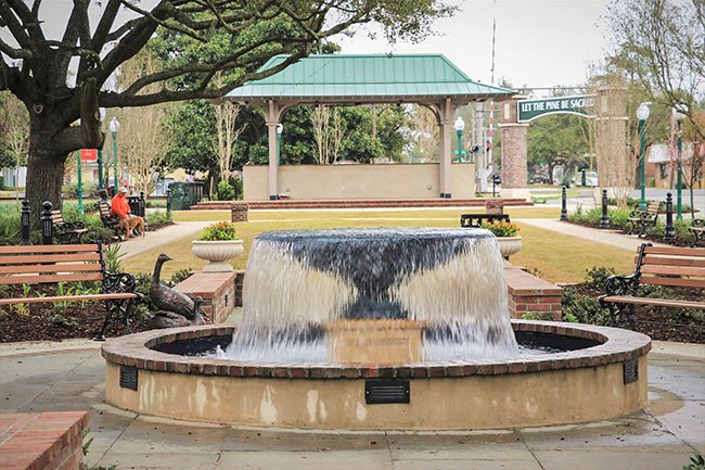 Hutchinson Square Fountain