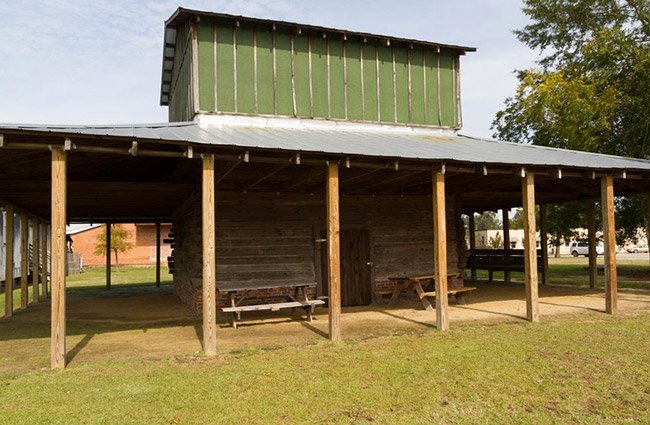 Lake City Tobacco Barn