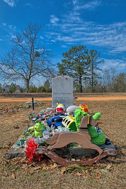 Little Boy Grave