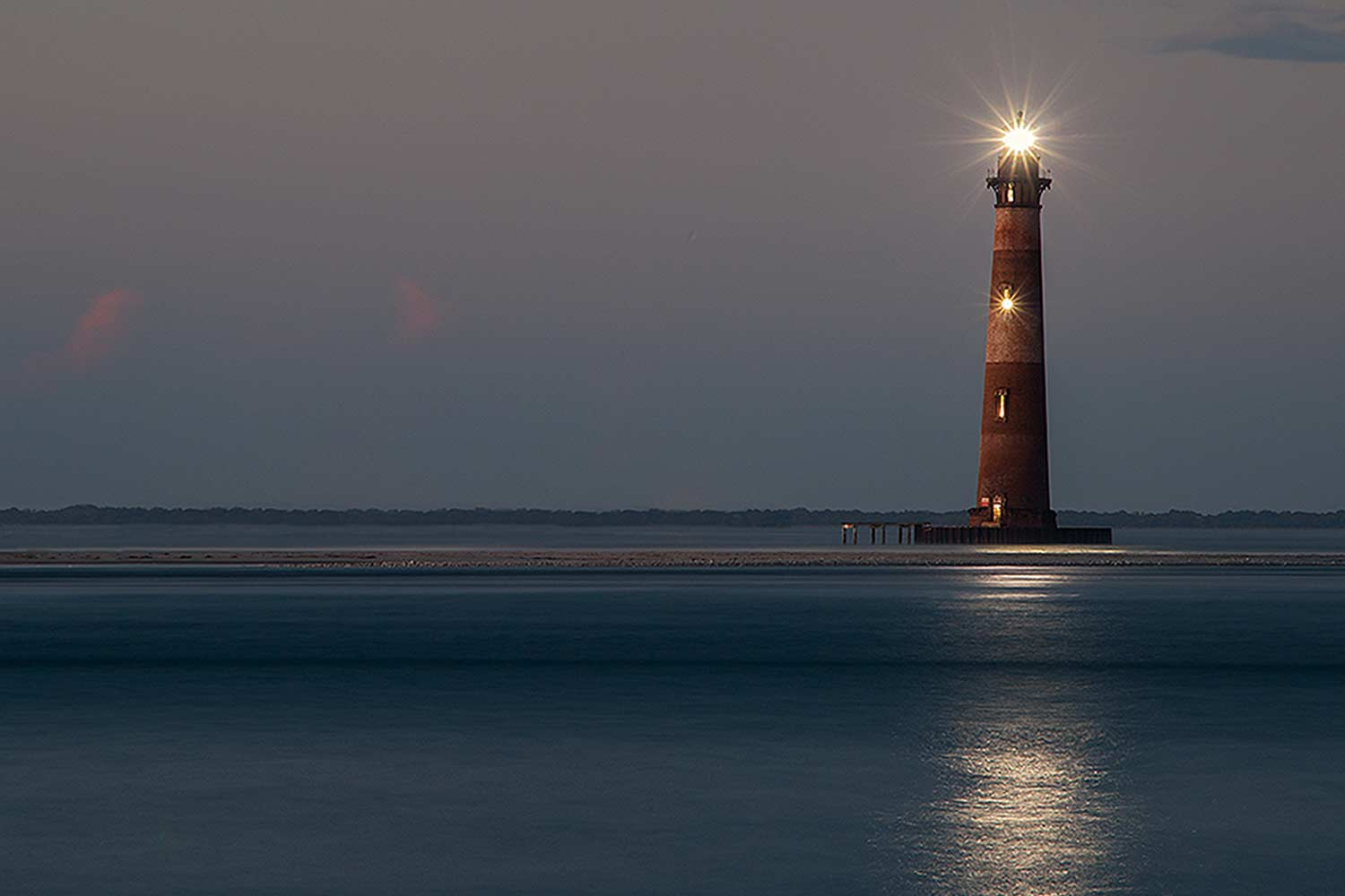Morris Island Lighthouse, Shining