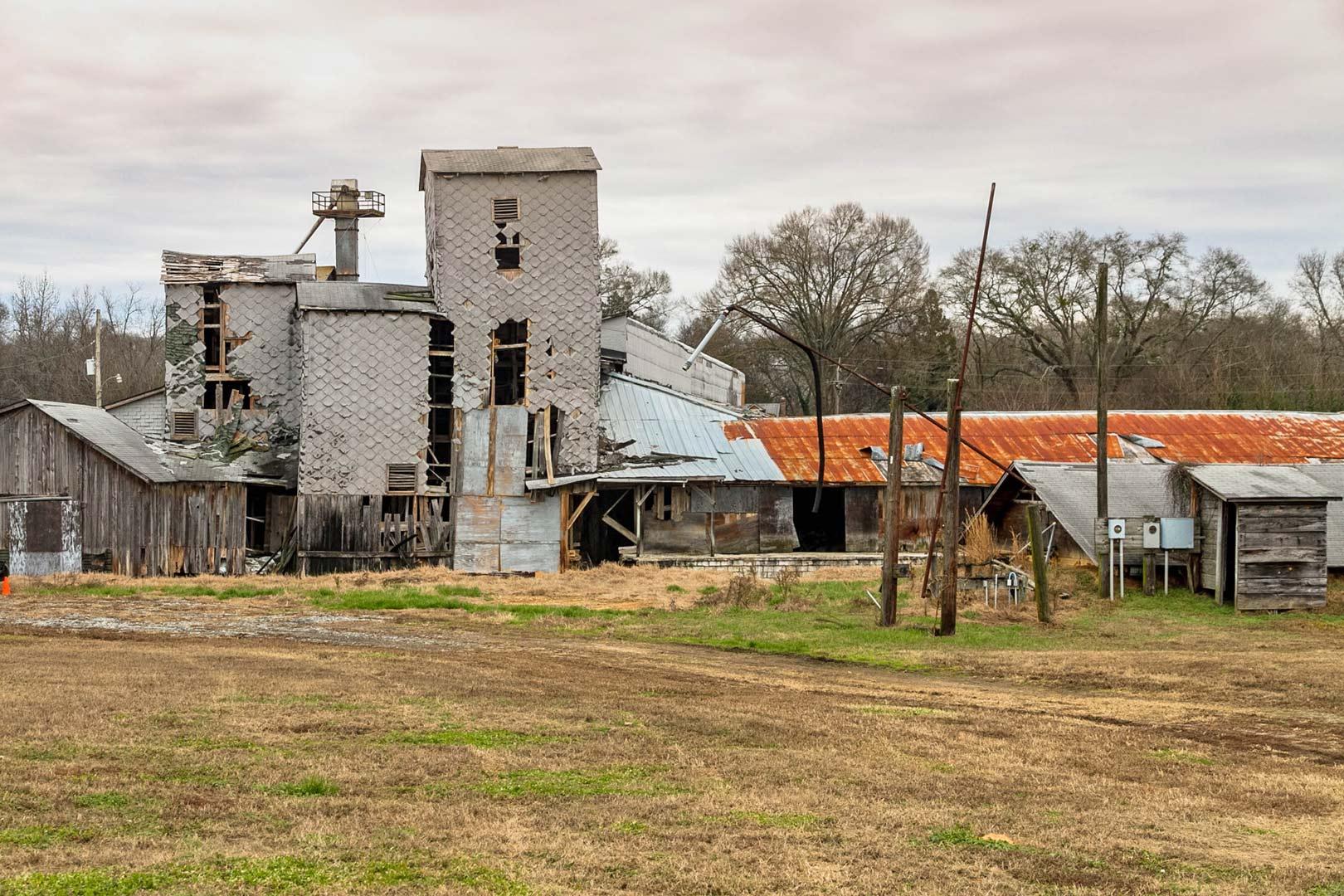 Pendleton Oil Mill, Facade