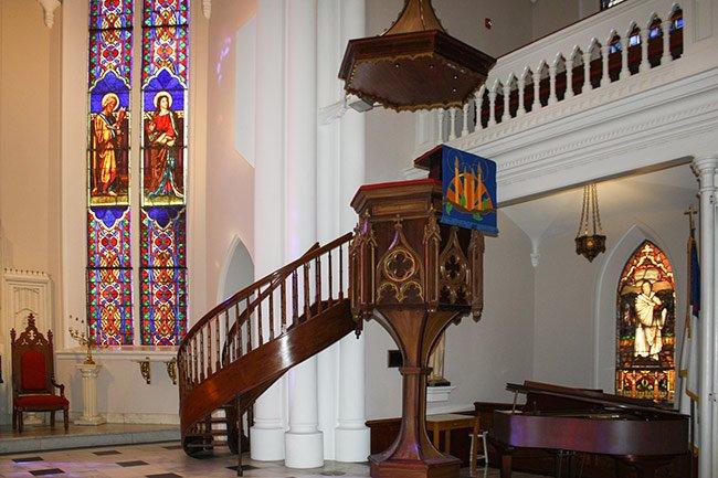 St. Matthews Pulpit